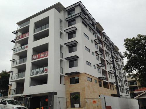 Apartments at 33 Bronte Street